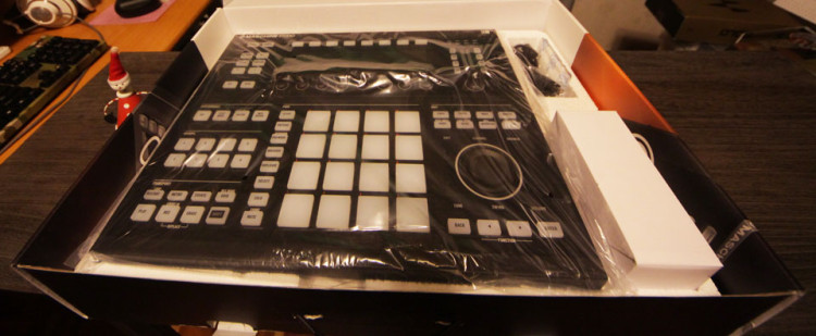 MASCHINE-STUDIO-unboxing17