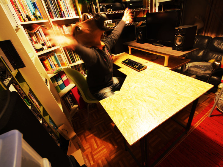 creative-diy-hack-to-improve-your-work-desk-vol3-10
